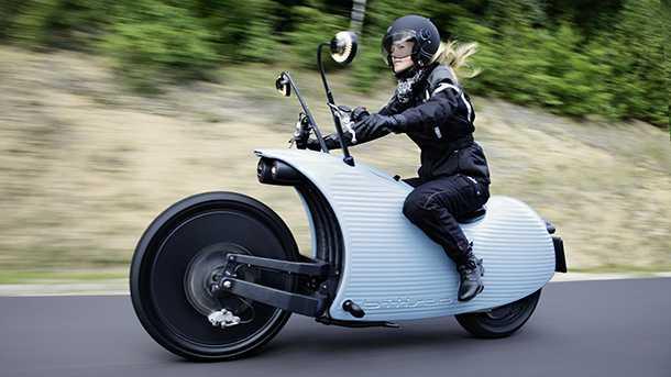 """אופנוע חשמלי """"ג'והאמר"""" - J1 - יקר ומרתק בכל מימד עיצובי ודינאמי. צילום: ג'והאמר"""