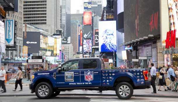 פורד תהיה ספקית הטנדרים הרשמית של ליגת NFL. טנדר פורד F-150. צילום: פורד