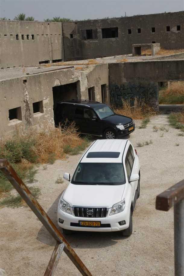 טויוטה לנדקרוזר, מיצובישי פאג'רו וגם טנדר היילקס ואחרים במכרז רכבי משטרת ישראל. צילום: פז בר