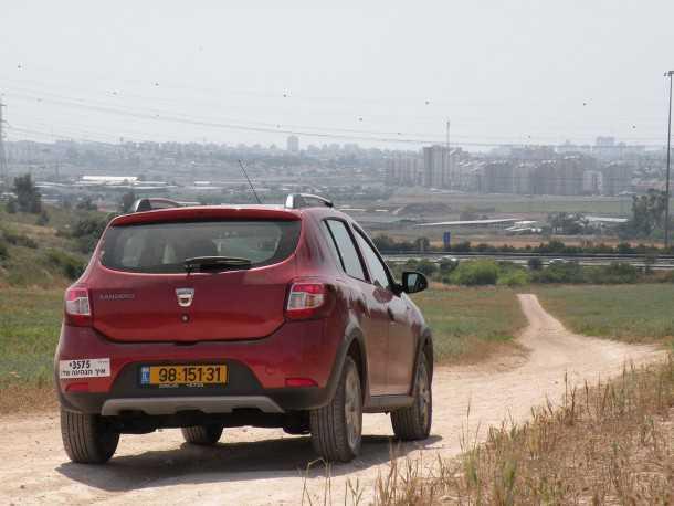 רכב הפנאי הזול בישראל דא'ציה סנדרו סטפוואי מקבל עדכון מראה ושיפור מהותי באיכות החומרים. צילום: ניר בן זקן