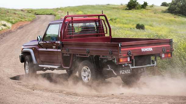 טויוטה לנד קרוזר 70 מתעדכן עם חיזוקי מרכב, מנוע 8V משופר ומערכות בטיחות אלקטרוניות. צילום: טויוטה