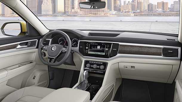 פולקסווגן אטלס. רכב פנאי גדול ראשון של פולקסווגן לארצות הברית. עם 8 מושבים סביבת הנהג ותא הנוסעים באיכות המוכרת של VW ועם תוספת של הדור האחרון של קישוריות ומערכות בטיחות מתקדמות. צילום: VW