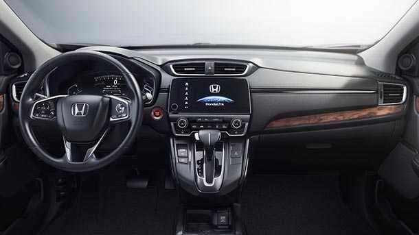הונדה CRV החדשה משלבת לראשונה בדגם מנועי טורבו ומעדכנת טכנולוגיות. בישראל במהלך 2017. פלטפורמה חדשה מבטיחה חלל פנים משופר וגם עיצוב רענן. צילום: הונדה