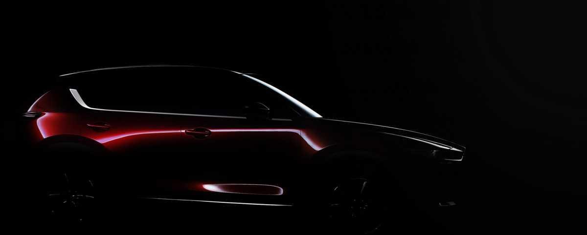 מאזדה CX5 החדשה. מאזדה חושפת רק טפח של רכב הפנאי שטח הפופולארי שלה - הדור הבא שלו כמובן אשר יוצג בנובמבר בחודש הבא. צילום: מאזדה