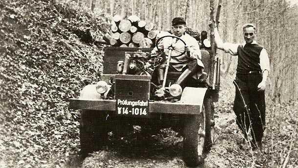 """לזה קראו """"פרופארט"""" והוא צולם בניסוי ראשון יערות ב-9 אוקטובר 1946. נהג הניסוי הנס זאבל נתן לרכב את הכינוי """"יונימוג"""" אשר דבק בו עד היום. על ההגה יושב ראש צוות הפיתוח היינריך רוסלר. צילום: מרצדס"""