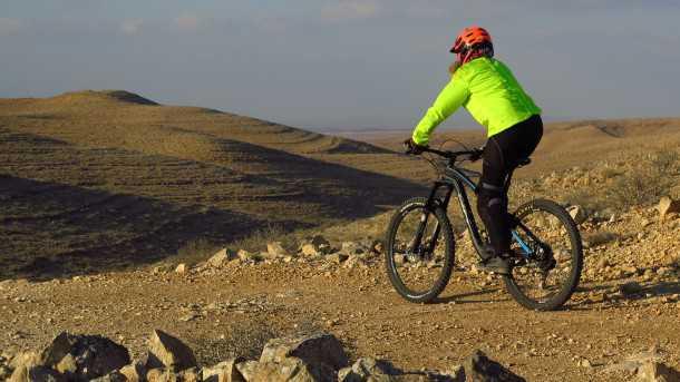 מבחן אופניים BH LYNX 6. כיפיים במורדות טכניים ולא מענישים בטיפוסים. חלופה מעניינת וזולה יותר למותגים האמריקנים. צילום: רוני נאק