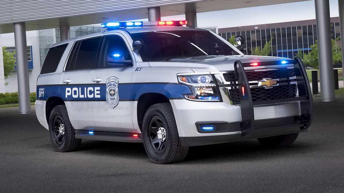 """משטרות קנדה וארה""""ב עוברות לרכבי פנאי שטח. שברולט טאהו ופורד אקספלורר. צילום: שברולט"""