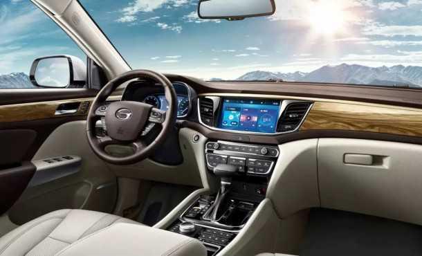 יצרני הרכב הסיניים מציגים רכבי פנאי ושטח בדטרויט. כאן GAC GS8 עם 7 מושבים. צילום: GAC