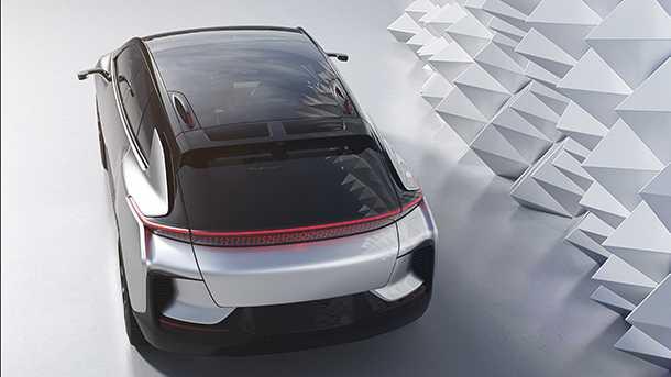 Faraday Future FF 91 המראה משלב הרבה מקבוצות רכב רבות. לא הכי יפה אבל בהחלט מרשים כמו גם הגישה של חברת הטכנולוגיה שיצרה אותו. תחילת יצור בעוד שנה. צילום: FF