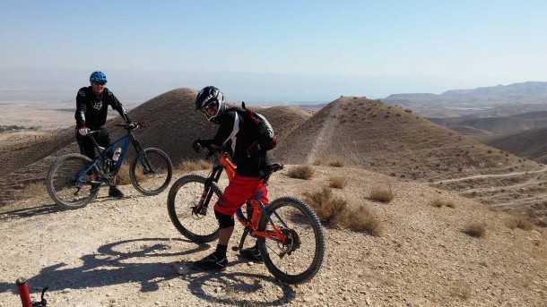 מסלול טיול אופניים ואדי קלט. צילומים: כרמית, אבי, רוני