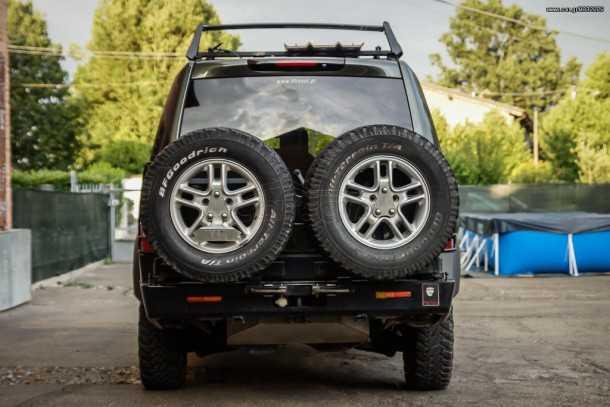 מגזין רכב יווני - CAR.GR - הוציא עיתונאי למסע סובב גלובוס על לנד רובר דיסקברי 3. ועכשיו הדיסקו למכירה. צילום: CAR.GR