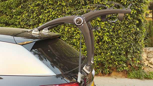 מנשא אופניים saris super bones. חכם, איכותי, יקר ומקיים את ההבטחה של היצרן. צילום: רוני נאק