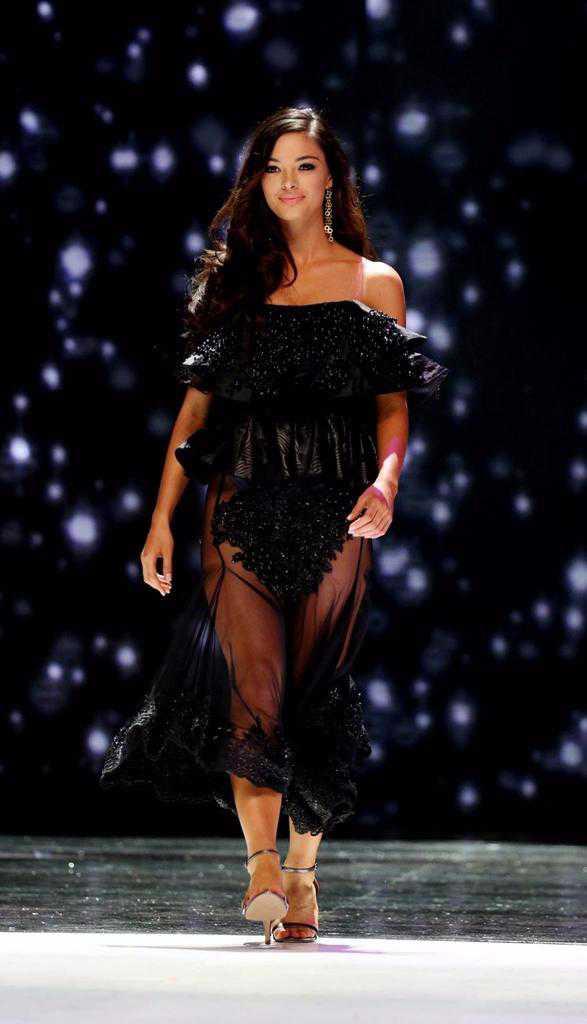 זו דמי לי - היא מלכת היופי של דרום אפריקה ועכשיו גם הבעלים של ניסאן ג'וק חדשה. צילום: ניסאן