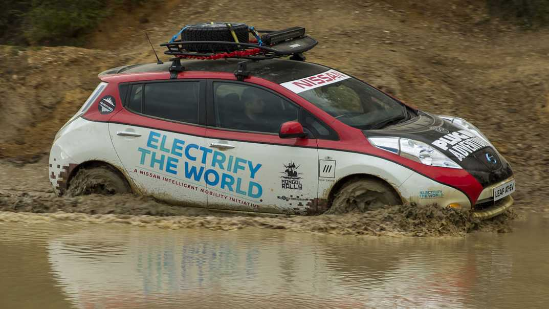 שני מנועים חשמליים, גגון והרבה אופטיומיות - ניסאן ליף יוצאתת לראלי מונגוליה. צילום: ניסאן