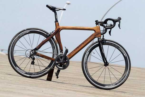 materia אופניים עם שלדת עץ מרהיבה ומחיר בהתאם. צילום: פז בר