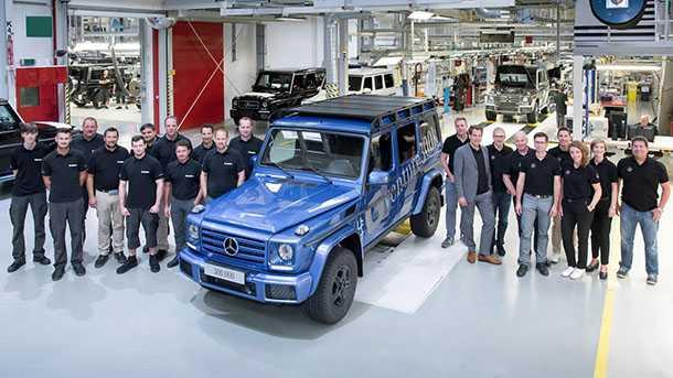 מרצדס מציינת 300,000 יחידות של G קלאס. כאן על פס היצור של מאגנה שטאייר באוסטריה. צילום: מרצדס