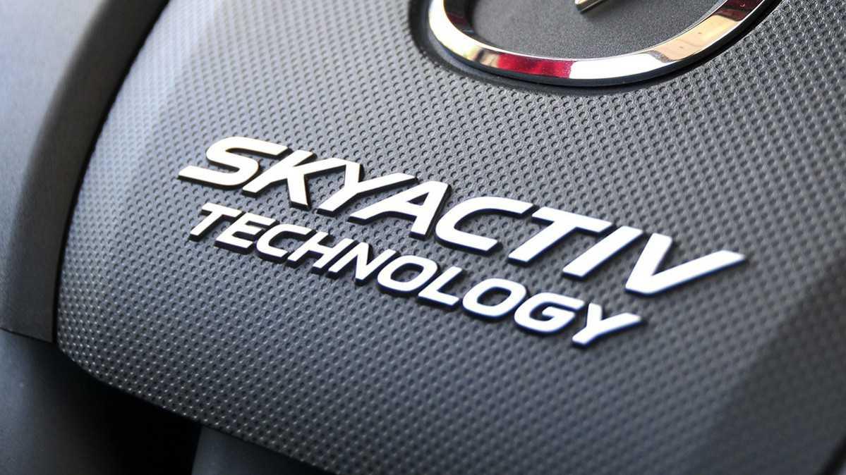 עדיין נטול טורבו או מגדש - הדור הבא של מנועי סקאיאקטיב מנצל דחיסה ליזום הצתה במנוע בנזין. צילום: מאזדה