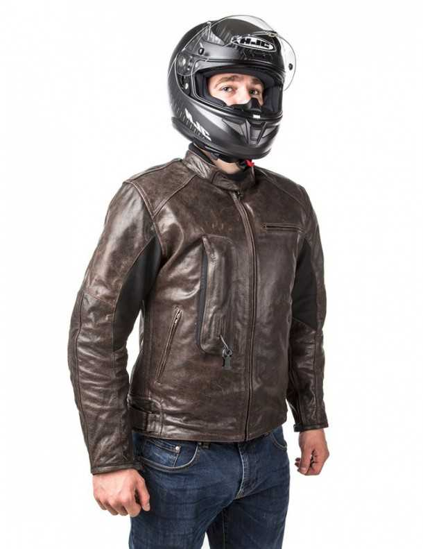 מעיל בטיחות מתנפח לאופנוענים החל מ-2500 שקלים. או מגוון מעילי עור, קורדורה, מאוורים יותר או פחות. צילום: HELITE