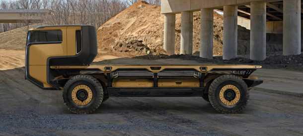 GM סורוס כלי רכב מבצעי לשטח עם הנעת תאי דלק/חשמל ויכולת אוטונומית מלאה. מבנה מודולארי מאפשר התאמה של מודולים לכל משימה. כאן עם קבינה לנהג אורגני. צילום: GM