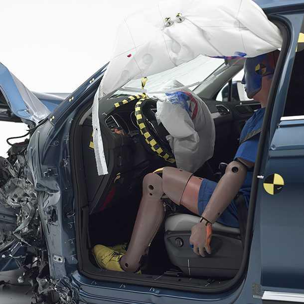 """ציון בטיחות מירבי לפולקסווגן טיגואן בארה""""ב בזכות מערכות בטיחות אקטיביות. צילום: IIHS"""