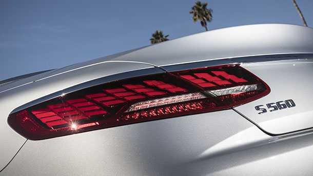 LG מתחילה ביצור של משטחי תאורה גמישים OLED לתעשיית הרכב. ראשונה לאמץ היא מרצדס. צילום: מרצדס