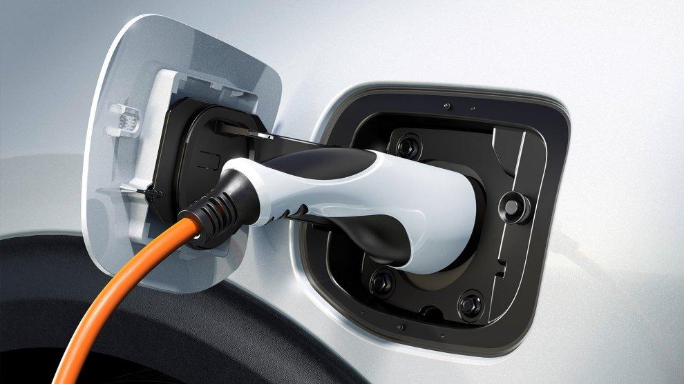 ניסאן ומאזדה חושבות שיוכלו ליצר מנועי בעירה פנימית עם רמות זיהום של מכוניות חשמליות. צילום: קיה