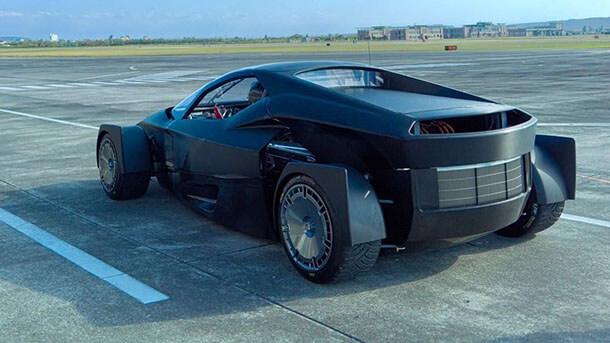 מכונית על חשמלית - סינית - עם השראה מעולם הראלי ומעל 1300 כוחות סוס. צילום: XING