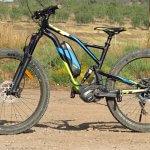 מבחן אופני הרים חשמליים GT eVERB AMP. חבילה רבת יכולת עם אופי של AM, כשר טיפוס של עז הרים ונטיה למנוע ממך להזיע בעליות וליצר חיוכים במורדות. המחיר: 24 אלפי שקלים. צילום: רוני נאק