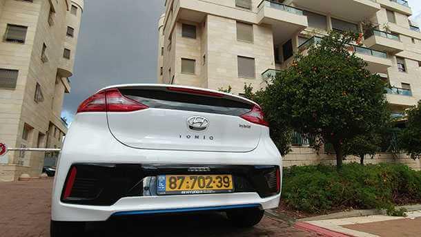 זינוק של 31% במכירות של מכוניות היברידיות באירופה. בקרוב גם אצלנו? בצילום נוסחה מנצחת נוספת: יונדאי איוניק. צילום: רוני נאק