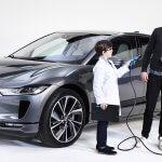חמש תשובות לשאלות על מכוניות חשמליות, עמדות טעינה, חרדת טווח ואילת. צילום: JAGUER