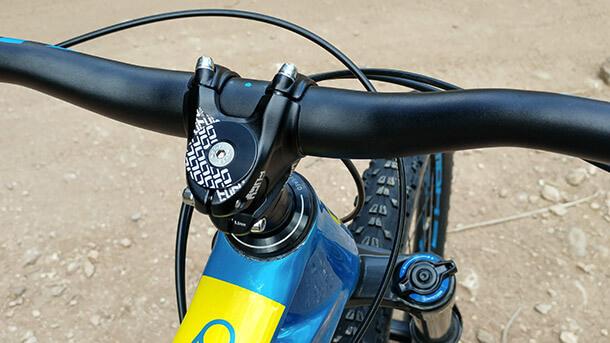 """מבחן אופניים מונדראקר פוקסי קרבון R. אופני אנדורו עם שלדת קרבון, מהלך של 150 מ""""מ ומחיר של 17,900 שקלים. צילום: רוני נאק"""