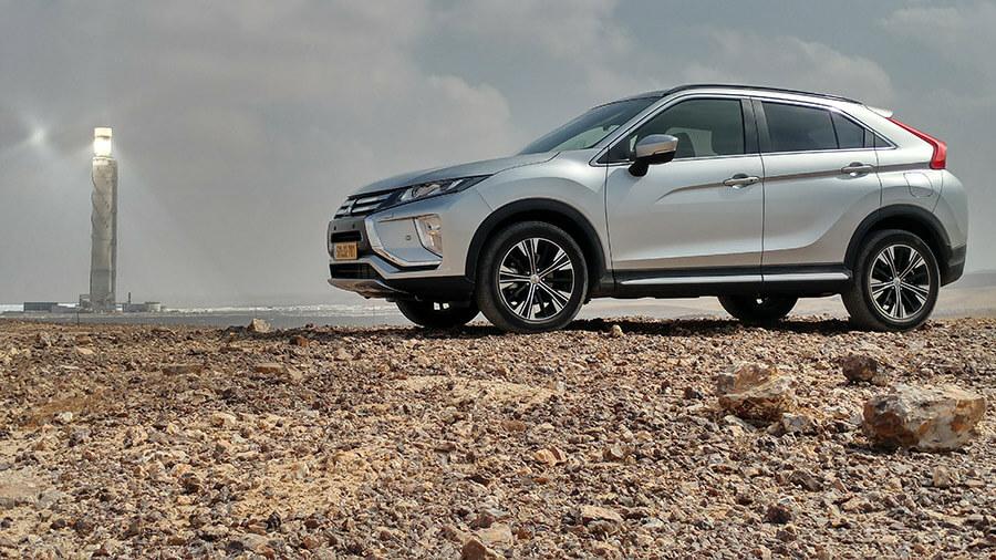 מבחן דרכים מיצובישי אקליפס קרוס. כל מה שתצפו לו ברכב פנאי מודרני ומתקדם החל מ-148,900 שקלים. צילום: רוני נאק