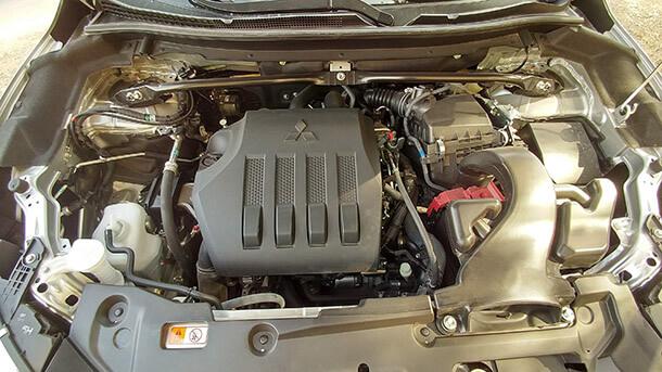 """מבחן דרכים מיצובישי אקליפס קרוס. כל מה שתצפו לו ברכב פנאי מודרני ומתקדם החל מ-148,900 שקלים. מנוע טורבו עם 1.5ל' המפיק 163 כ""""ס ו-25.4 קג""""מ. צילום: רוני נאק"""