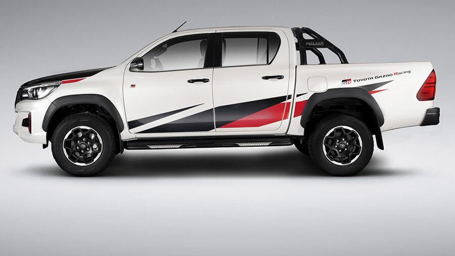 טנדר טויוטה היילקס GAZOO - גרסת חשק של יבואן טויוטה בברזיל יחד עם סדנת שיפורים נחשבת. מהדורה מוגבלת של 500 יחידות. צילום: טויוטה
