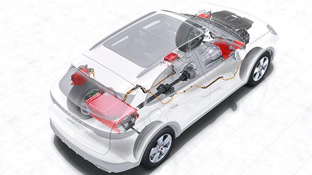 """מבחן דרכים פורשה קאיין PHEV - 750 אלפי שקלים, באדום - כל מה שחשמלי. עם 70 קג""""מ תוספת המשקל של הסוללות לא ממש מורגש. צילום: פורשה"""
