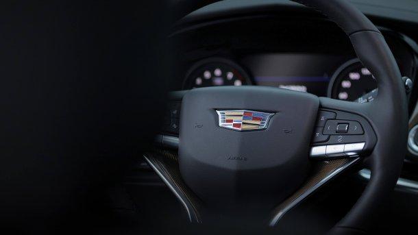 קאדילק XT6 - הראשון לשמו - ומביא את הרוח החדשה של קאדילק לטופ של דגמי ה-SUV של מותג הפרימיום האמריקאי. צילום: קאדילק