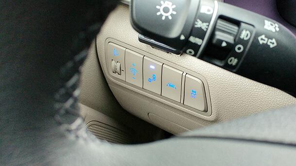 מבחן דרכים יונדאי טוסון. שיפור מהותי בחווית הנסיעה, זמינות הכוח וצריכת הדלק לצד מערך בטיחות אקטיבי חדש ועיצוב עדכני. צילום: רוני נאק