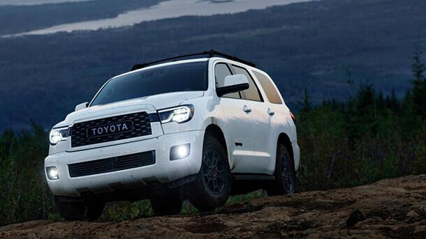 טויוטה חושפת חבילת TRD חדשה לטנדר טאקומה ול-SUV סקויה. צילום: טויוטה