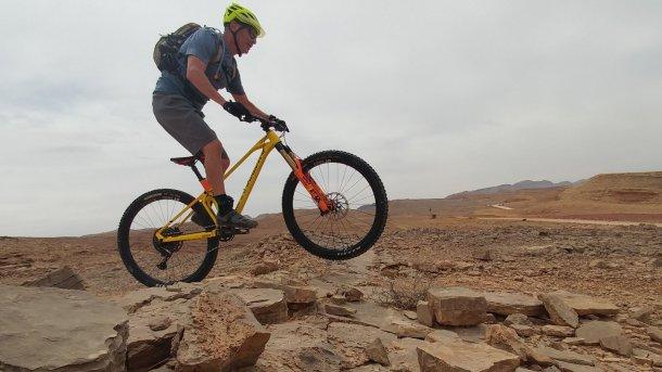 """מבחן אופניים מונדרקר פוקסי RR - מכונה אנדורו ממוקדת והייטקיסטית. המחיר: 30 אש""""ח. צילום: רוני נאק"""