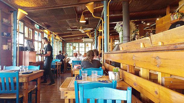 צהריים בחוות התבלינים בגלבוע. איני מבקר מסעדות - לי היה סופר טעים וזהו. צילום: רוני נאק