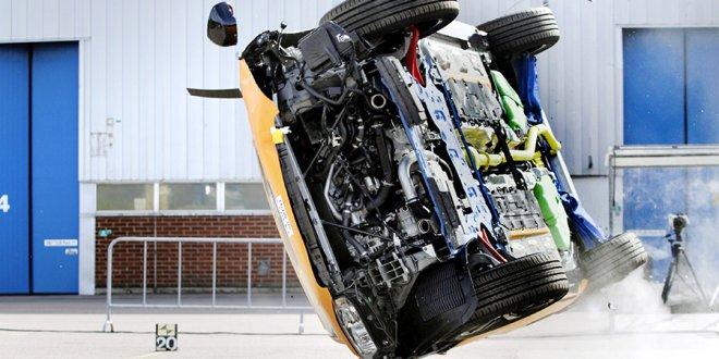 אם יש הקלות מס על דרגות זיהום אוויר - מדוע אין הקלות מס על מכוניות בטוחות או לחילופין קנסות מכוניות בעלות פוטנציאל סכנה גדול. צילום: וולוו