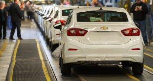 GM מבקשת להאריך פטור מריקול של מעל ל-6 מיליון מכוניות. בצילום השברולט קרוז האחרונה בהחלט שיוצרה במרץ 2019. כבר מתגעגעים. צילום: GM