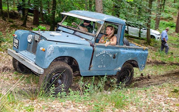 Simply Land Rover כמעט 550 לנד רובר הגיעו למפגש השני והפעם ציון 30 שנים ללנד רובר דיסקברי. צילום: SLR