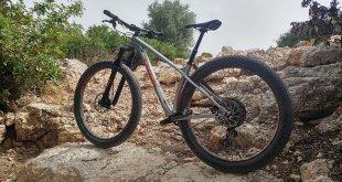 מבחן אופניים TREK Stache 9.7. צמיגים שמנים ושלדה עליזה ליצירת חיוכים רחבים במיוחד. צילום: רוני נאק