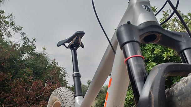מבחן אופניים TREK Stache 7.9. צמיגים שמנים ושלדה עליזה ליצירת חיוכים רחבים במיוחד. צילום: רוני נאק