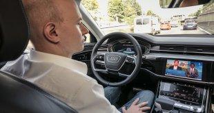 סקר מגלה כי צרכנים עדיין אינם מוכנים לרכוש רכב אוטונומי ואפילו חשמלי. הסיבה העיקרית - חוסר מידע וחשש מתקלות. צילום: אאודי