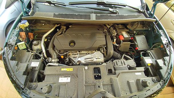 סיטרואן C5 איירקרוס - רכב פנאי נוח עם מחסור בשקעי USB. צילום: רוני נאק