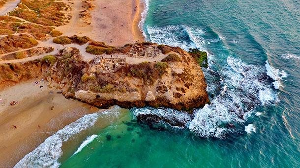 """מצודת יבנה ים. ראש הגשר של יבנה ההיסטורית ו""""נמל היהודים"""". צילום: WIKI"""