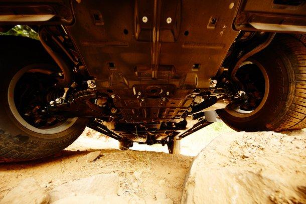 כשיצרנית רכב שמה צילום כזה בגלריית הדגם - אתם יודעים שזה יכול להיות רק משהו טוב. הנדסת יתר מקסימה ואהובה על ידי עכברי שטח בכל העולם. צילום: טויוטה