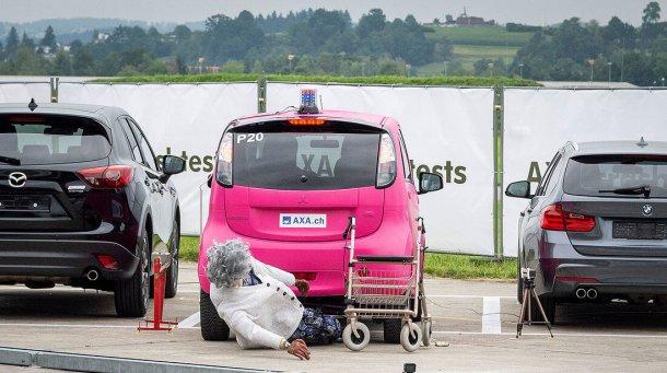 בקרוב רעש מלאכותי למכוניות חשמליות כדי להזהיר הולכי רגל מנומנמים. צילום: AXA